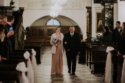 Asia i Grzesiek - Grudniowy ślub - Kościół na górce w Opolu - Restauracja Słociak 31