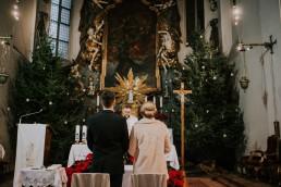 Asia i Grzesiek - Grudniowy ślub - Kościół na górce w Opolu - Restauracja Słociak 32