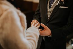 Asia i Grzesiek - Grudniowy ślub - Kościół na górce w Opolu - Restauracja Słociak 39
