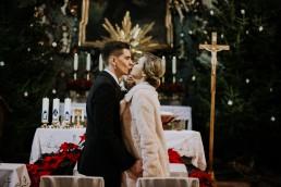 Asia i Grzesiek - Grudniowy ślub - Kościół na górce w Opolu - Restauracja Słociak 40
