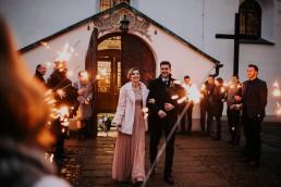 Zimne ognie na wyjście z kościoła