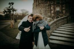 Zimowy ślub w Prudniku - Ślub w Kościele w Lasku, Wesele pod Wieżyczką, Plener na Zamku w Mosznej 92