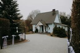 Zimowy ślub w Prudniku - Ślub w Kościele w Lasku, Wesele pod Wieżyczką, Plener na Zamku w Mosznej 1