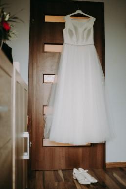 Zimowy ślub w Prudniku - Ślub w Kościele w Lasku, Wesele pod Wieżyczką, Plener na Zamku w Mosznej 23