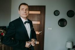 Zimowy ślub w Prudniku - Ślub w Kościele w Lasku, Wesele pod Wieżyczką, Plener na Zamku w Mosznej 19