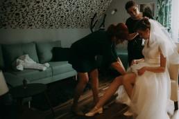 Zimowy ślub w Prudniku - Ślub w Kościele w Lasku, Wesele pod Wieżyczką, Plener na Zamku w Mosznej 28