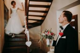 Zimowy ślub w Prudniku - Ślub w Kościele w Lasku, Wesele pod Wieżyczką, Plener na Zamku w Mosznej 30