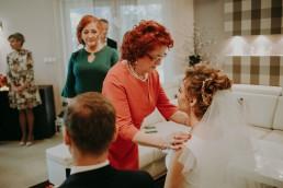 Zimowy ślub w Prudniku - Ślub w Kościele w Lasku, Wesele pod Wieżyczką, Plener na Zamku w Mosznej 34