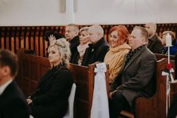 Zimowy ślub w Prudniku - Ślub w Kościele w Lasku, Wesele pod Wieżyczką, Plener na Zamku w Mosznej 42
