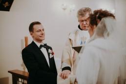 Zimowy ślub w Prudniku - Ślub w Kościele w Lasku, Wesele pod Wieżyczką, Plener na Zamku w Mosznej 44