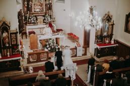 Zimowy ślub w Prudniku - Ślub w Kościele w Lasku, Wesele pod Wieżyczką, Plener na Zamku w Mosznej 46