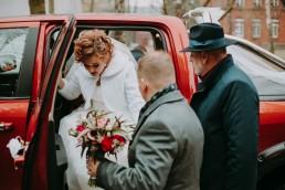 Zimowy ślub w Prudniku - Ślub w Kościele w Lasku, Wesele pod Wieżyczką, Plener na Zamku w Mosznej 51