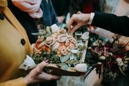 Zimowy ślub w Prudniku - Ślub w Kościele w Lasku, Wesele pod Wieżyczką, Plener na Zamku w Mosznej 53