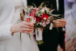 Zimowy ślub w Prudniku - Ślub w Kościele w Lasku, Wesele pod Wieżyczką, Plener na Zamku w Mosznej 54