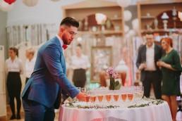 Zimowy ślub w Prudniku - Ślub w Kościele w Lasku, Wesele pod Wieżyczką, Plener na Zamku w Mosznej 56