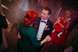 Zimowy ślub w Prudniku - Ślub w Kościele w Lasku, Wesele pod Wieżyczką, Plener na Zamku w Mosznej 63