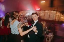 Zimowy ślub w Prudniku - Ślub w Kościele w Lasku, Wesele pod Wieżyczką, Plener na Zamku w Mosznej 64