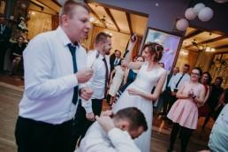 Zimowy ślub w Prudniku - Ślub w Kościele w Lasku, Wesele pod Wieżyczką, Plener na Zamku w Mosznej 72