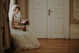 Zimowy ślub w Prudniku - Ślub w Kościele w Lasku, Wesele pod Wieżyczką, Plener na Zamku w Mosznej 75