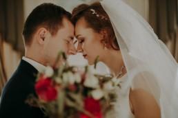 Zimowy ślub w Prudniku - Ślub w Kościele w Lasku, Wesele pod Wieżyczką, Plener na Zamku w Mosznej 77