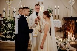 Kasia i Paweł - Magiczny leśny plener - wesele w hotelu Szara Willa 49