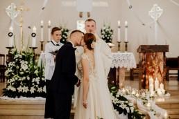 Kasia i Paweł - Magiczny leśny plener - wesele w hotelu Szara Willa 54