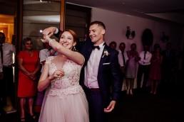 Kasia i Paweł - Magiczny leśny plener - wesele w hotelu Szara Willa 81