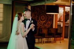 Kasia i Paweł - Magiczny leśny plener - wesele w hotelu Szara Willa 102