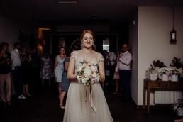 Kasia i Paweł - Magiczny leśny plener - wesele w hotelu Szara Willa 111