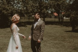 Natalia i Łukasz - Rustykalny ślub - Dworek Komorno - Szklarnia słoneczników - Pole lawendy 40