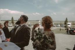 Natalia i Łukasz - Rustykalny ślub - Dworek Komorno - Szklarnia słoneczników - Pole lawendy 118