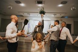 Natalia i Łukasz - Rustykalny ślub - Dworek Komorno - Szklarnia słoneczników - Pole lawendy 194