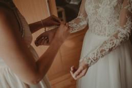 Natalia i Łukasz - Rustykalny ślub - Dworek Komorno - Szklarnia słoneczników - Pole lawendy 29