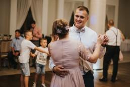 Natalia i Łukasz - Rustykalny ślub - Dworek Komorno - Szklarnia słoneczników - Pole lawendy 207