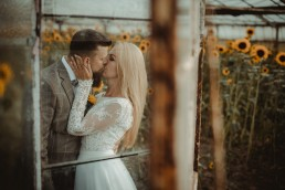 Natalia i Łukasz - Rustykalny ślub - Dworek Komorno - Szklarnia słoneczników - Pole lawendy 234