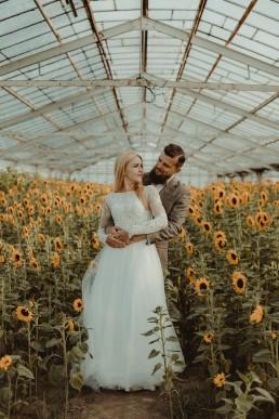 Natalia i Łukasz - Rustykalny ślub - Dworek Komorno - Szklarnia słoneczników - Pole lawendy 213