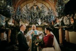 zimowa dekoracja kościoła ślubna