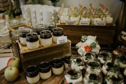diy stół słodkości na wesele