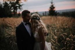 mroczny plener ślubny