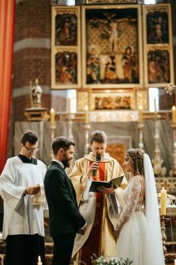 Ania i Łukasz - ślub w katedrze w Nysie, wesele w Karolówce 47