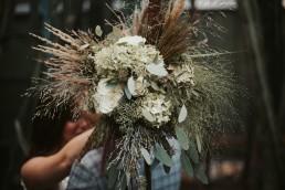 Bukiet ślubny z piórami