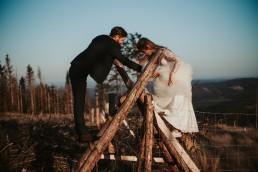 Ania i Łukasz - górski jesienny plener przy zachodzącym słońcu 1