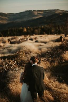 Ania i Łukasz - górski jesienny plener przy zachodzącym słońcu 2