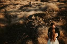 Ania i Łukasz - górski jesienny plener przy zachodzącym słońcu 3