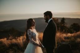 Ania i Łukasz - górski jesienny plener przy zachodzącym słońcu 9
