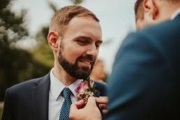 Ślub plenerowy i przyjęcie w Zamku Topacz pod Wrocławiem - Plener ślubny w winnicy - Fotografia ślubna 11