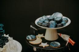 słódki stół na kosmiczne urodziny