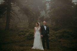 Fotograf Głuchołazy - Ślub w Podlesiu - Ślubny plener we mgle 1