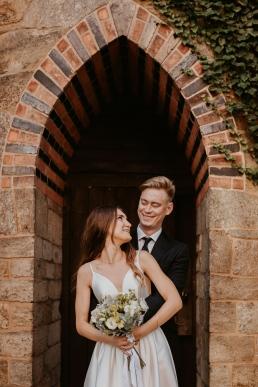 Ślubna sesja plenerowa w Pałacu Marianny Orańskiej